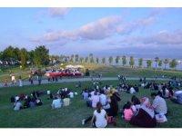 Sekapark'ta sosyal mesafeli açık hava konseri düzenlendi