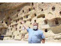 Tarihi ambarlar hala doğallığını koruyor