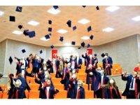 FÜ Diş Hekimliği Fakültesi ilk mezunlarını verdi