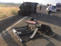 Ağrı'da trafik kazası: 3 ölü, 6 yaralı