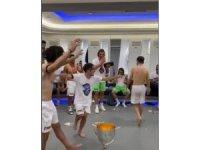Trabzonspor soyunma odasında kolbastı şov