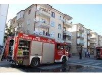 Kömürlükte yangın çıktı, bina sakinleri panik yaşadı