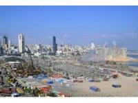 Beyrut'ta molozlar kaldırılıyor
