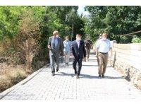 Kaymakam Mehmetbeyoğlu kilitli parke taşı çalışmalarını inceledi