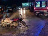 Motosikletler birbirlerine çarptı: 3 yaralı