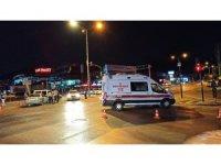 Covid-19 şüphelisi bebek ve annesini taşıyan ambulans kaza yaptı