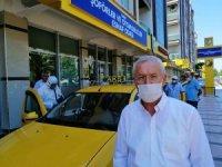 İzmir'deki taksiler sürekli dezenfekte ediliyor