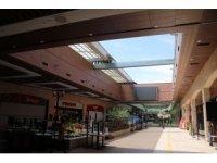 Higway AVM, açılabilir çatısıyla temiz havada müşterilerini korona virüse karşı koruyor