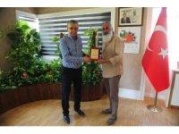 Başkan Topaloğlu, Hintli heykeltraşı ağırladı