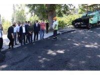 Soğuksu köyünde sıcak asfalt çalışmaları sürüyor