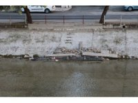 Sulama kanalına moloz ve çöp attılar