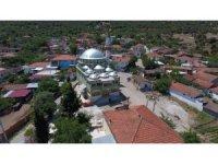 Saruhanlı Belediyesi cami bahçelerini yeniliyor