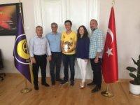 İzmir Atatürk Lisesi'nin yeni yıldızı Derin Kızılkaya