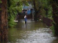 Hindistan'da şiddetli yağış: 15 ölü