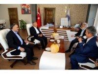 Başkan Büyükkılıç ve Milletvekili Yıldız'dan Develi Belediyesi'ne ziyaret