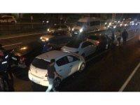 Zincirleme kazaya karışan kadın sürücü kendini görüntüleyen gazeteciye saldırdı
