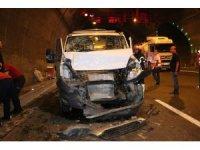 Bolu Dağı Tüneli'nde kaza: 1 yaralı