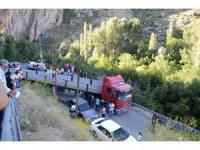 Gürpınar Şelalesi yolunda trafik çilesi