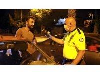 Polisin 'gözler kalbin aynasıdır' diye kontrol ettiği sürücü alkollü çıktı