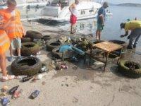 Erdek'te liman temizliği yapıldı