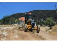 Kuzca'da yol bakım onarım çalışması
