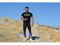 Milli vücut geliştirme şampiyonu Gürsoy, genç sporcularla bir araya geldi