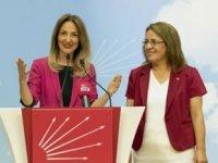 CHP'de Aylin Nazlıaka Kadın Kolları Genel Başkanlığı görevini devraldı
