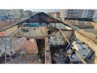 Evi yanan sağlık emekçisi yeni evine kavuştu