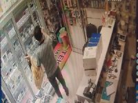 Saniyeler içinde hırsızlık kamerada