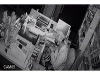 Arnavutköy'de marketleri soyan hırsızlar yakalandı