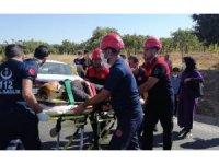 2 otomobil çarpıştı: 4 yaralı