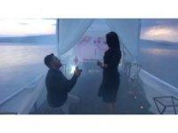 Kız arkadaşına Çıldır Gölü'nde sürpriz evlilik teklifi yaptı