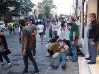 İstiklal Caddesi'nde düşerek yaralanan yaşlı adam için seferber oldular