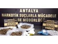 Antalya'daki uyuşturucu operasyonunda hareketli dakikalar