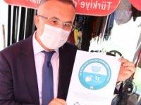 Rize'de salgına karşı özenli olan işletmelere 'Burası Covid-19 kurallarına uygun çalışıyor' belgesi veriliyor