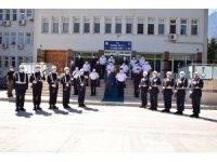 Vali Karadeniz, kurumlarda incelemelerde bulundu