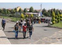 Karaman'da birçok suçtan gözaltına alınan 14 kişi adliyeye sevk edildi