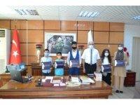 Kur'an-ı Kerim'i okuyan çocuklar Kırşehir'de, ödüllendirildi