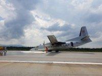 Tayland'da askeri uçak burun üstü acil iniş yaptı