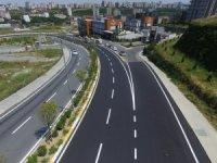 Küçükçekmece'ye 1 yılda 61 bin ton asfaltlama yapıldı