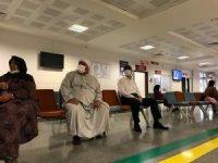 Vali tebdili kıyafetle hastaneleri denetledi