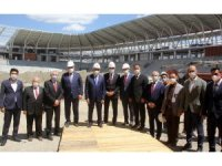 Binali Yıldırım, Erzincan'da yapımı devam kamu yatırımlarını inceledi