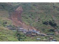 Nepal'de sel ve toprak kaymaları 16 kişinin ölümüne neden oldu
