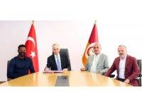 """Mustafa Cengiz: """"Donk, Galatasaray'a kalpten de bağlı olduğunu kanıtladı"""""""
