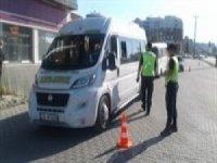 Jandarma 10 araç ve 34 motosikleti trafikten men etti