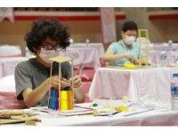Geleceğin teknoloji yıldızı olmak isteyen gençler uygulama sınavında ter döktüler