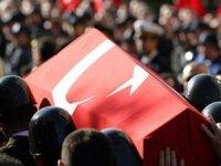 Bakan Hulusi Akar, şehit asker için başsağlığı mesajı paylaştı.