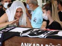 Ünlü oyuncu bugün gözyaşları içinde Ankara'da son yolculuğuna uğurlandı