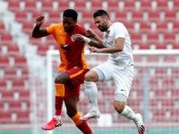 1-1'lik beraberlikle sonuçlanırken sarı kırmızılı ekibin golü 32. dakikada Arda Turan'dan geldi.