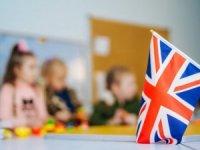İngiltere'de okullarda koronavirüs patlaması: 7 okul öğrencilerini eve gönderdi